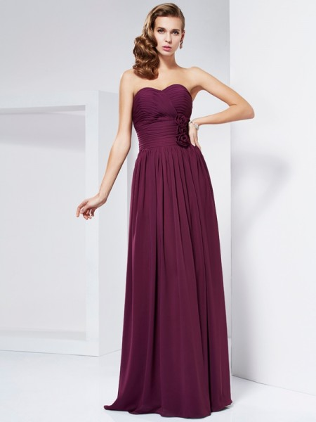 Sheath/Column Sweetheart Sleeveless Long Prom/Evening Dresses with Hand-Made Flower Pleats