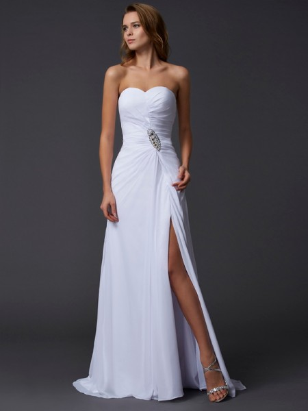 A-Line Sweetheart Sleeveless Chiffon Sweep/Brush Train Dresses with Beading