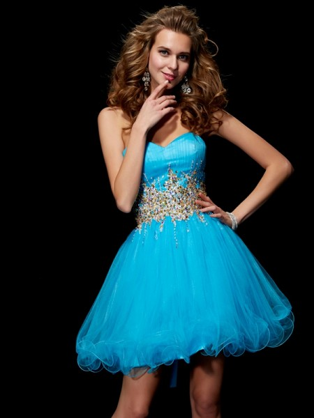 A-Line/Princess Sweetheart Sleeveless Short Net Dresses with Beading