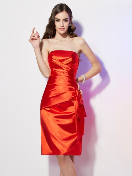Sheath/Column Strapless Sleeveless Elastic Woven Satin Short Homecoming Dresses with Pleats