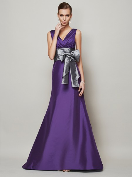 A-Line/Princess Sleeveless Taffeta V-neck Long Evening/Formal Dresses