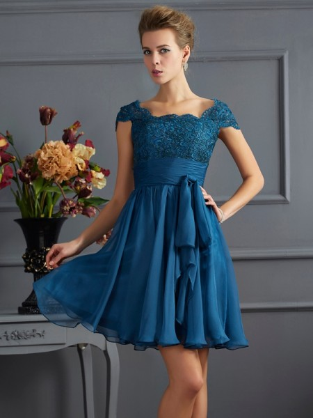 A-Line/Princess Scoop Chiffon Short Sleeves Short Dresses With Lace