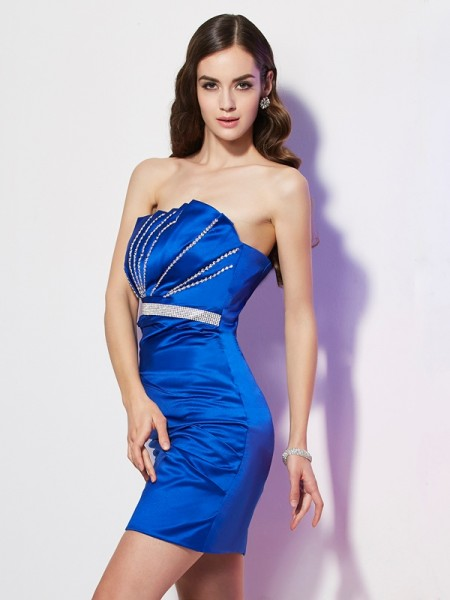 Sheath/Column Strapless Sleeveless Satin Short Cocktail/Homecoming Dresses with Beading