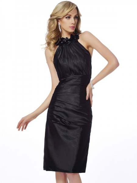 Sheath/Column Bateau Sleeveless Knee-Length Elastic Woven Satin Dresses with Applique