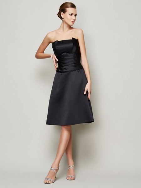 A-Line/Princess Strapless Sleeveless Knee-Length Satin Dresses with Pleats