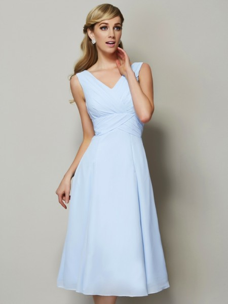 A-Line/Princess V-neck Sleeveless Tea-Length Chiffon Bridesmaid Dresses with Pleats