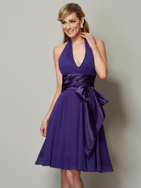 A-Line/Princess Halter Sleeveless Knee-Length Chiffon Bridesmaid Dresses