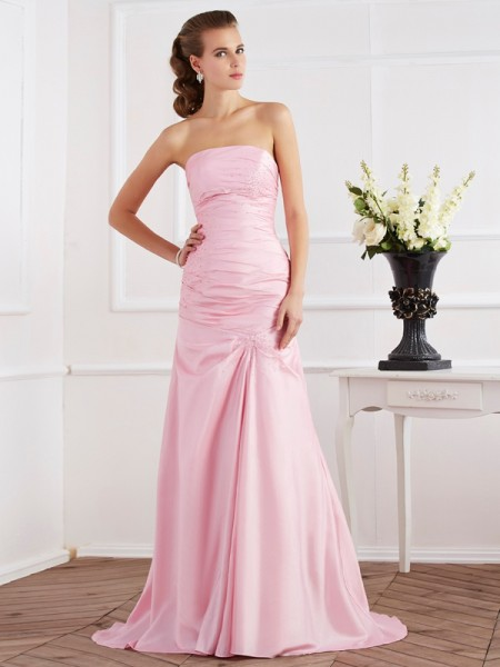 Trumpet/Mermaid Sleeveless Strapless Taffeta Sweep/Brush Train Dresses with Beading