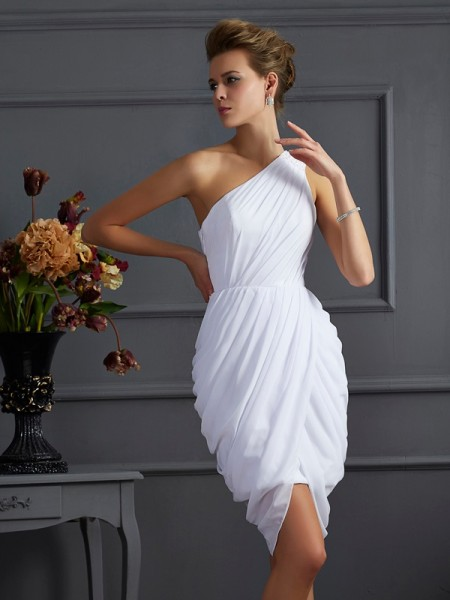 Sheath/Column One-Shoulder Sleeveless Chiffon Short Cocktail/Homecoming Dresses with Pleats