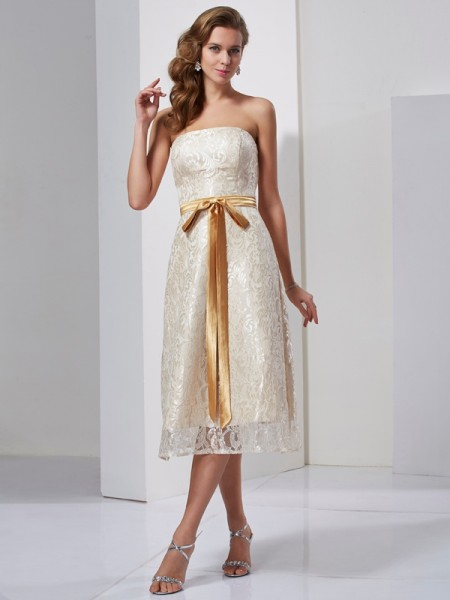 Sheath/Column Strapless Sleeveless Knee-Length Satin Dresses with Sash/Ribbon/Belt
