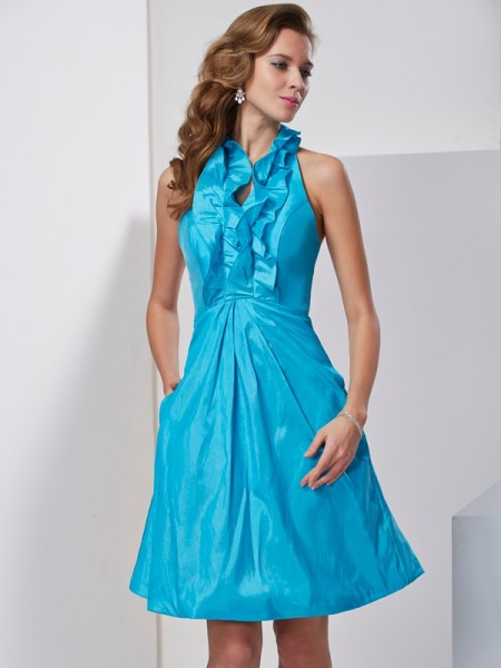 A-Line/Princess Halter Sleeveless Knee-Length Taffeta Dresses with Ruffles