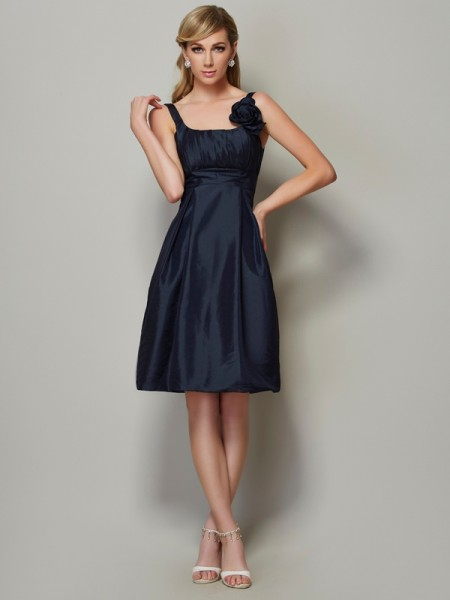 A-Line/Princess Straps Sleeveless Taffeta Knee-Length Dresses with Pleats