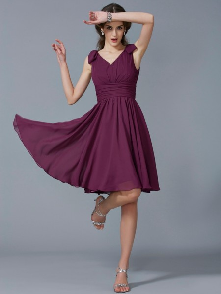 A-Line/Princess Straps Sleeveless Knee-Length Chiffon Bridesmaid Dresses with Pleats