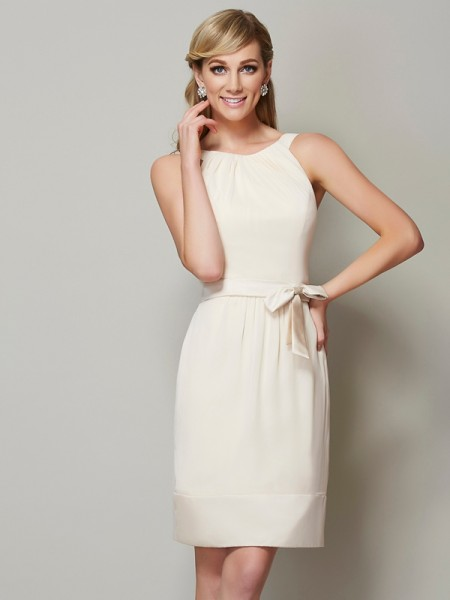 Sheath/Column Scoop Sleeveless Knee-Length Chiffon Bridesmaid Dresses