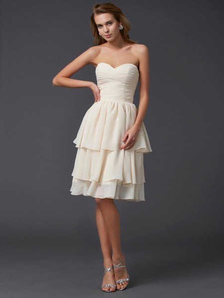 Sheath/Column Sweetheart Chiffon Sleeveless Knee-Length Dresses