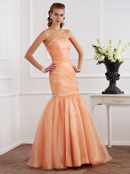 Trumpet/Mermaid Sleeveless Strapless Tulle Long Dresses with Beading