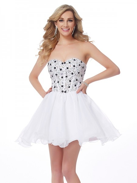 A-Line/Princess Sweetheart Sleeveless Elastic Woven Satin Short Cocktail/Homecoming Dresses with Beading