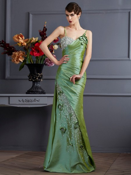 Trumpet/Mermaid Taffeta Sleeveless Spaghetti Straps Long Dresses with Beading