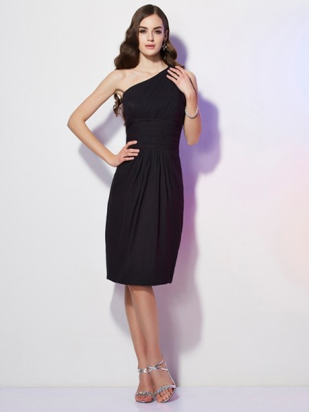 Sheath/Column One-Shoulder Sleeveless Knee-Length Chiffon Dresses with Beading
