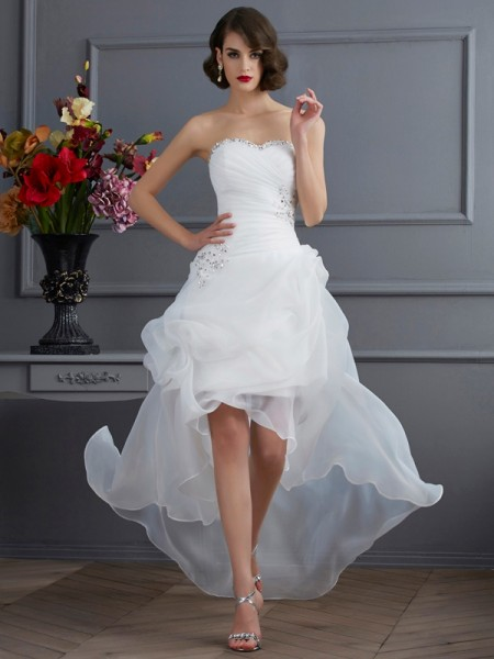 A-Line/Princess Sweetheart Sleeveless Organza Asymmetrical Wedding Dresses with Applique