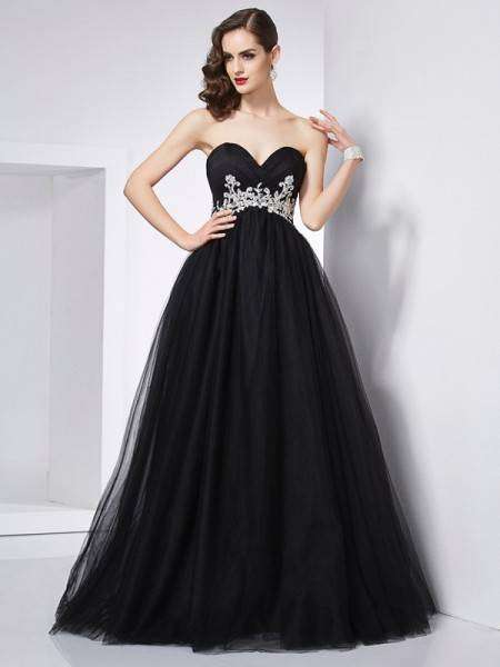 Ball Gown Sweetheart Net Long Dresses with Applique