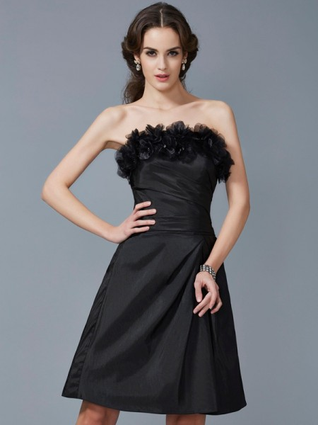 Sheath/Column Strapless Sleeveless Taffeta Knee-Length Dresses with Hand-Made Flower