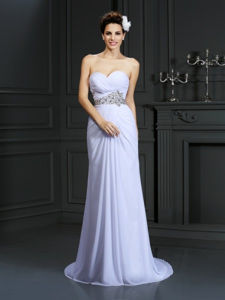 Sheath/Column Sweetheart Sleeveless Chapel Train Chiffon Wedding Dresses with Beading