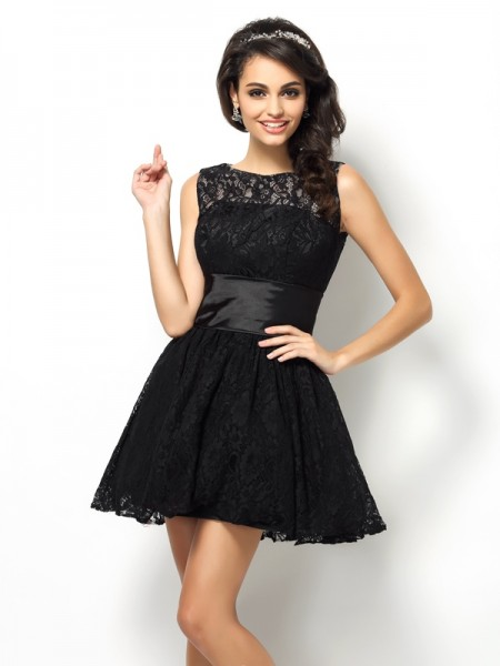 A-Line/Princess Bateau Sleeveless Short Bridesmaid Dresses with Lace