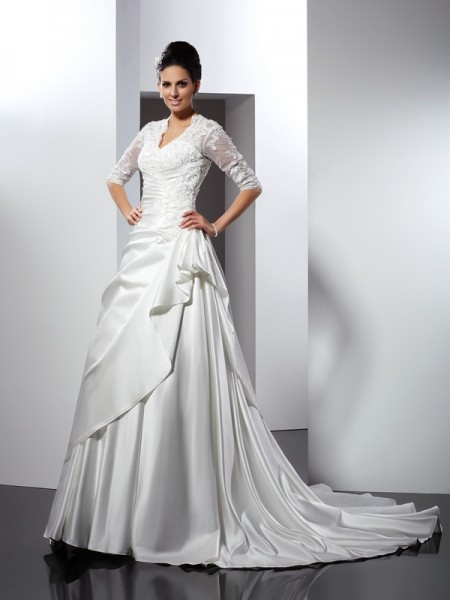 A-Line/Princess V-neck 1/2 Sleeves Chapel Train Satin Wedding Dresses with Applique