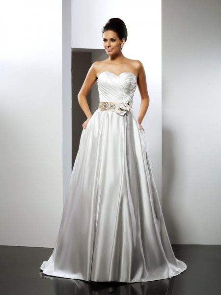 A-Line/Princess Sweetheart Sleeveless Court Train Satin Wedding Dresses with Sash/Ribbon/Belt with Hand-Made Flower