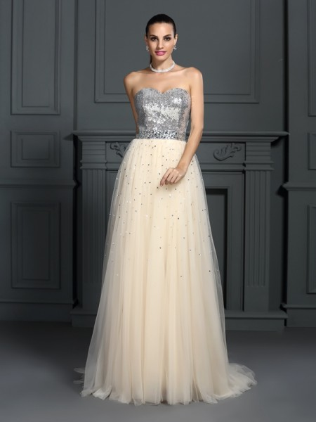 A-Line/Princess Sweetheart Sleeveless Floor-Length Lace Dresses with Beading