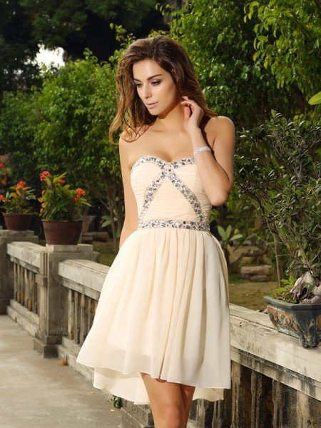 A-Line/Princess Sweetheart Chiffon Short Cocktail/Homecoming Dresses with Beading