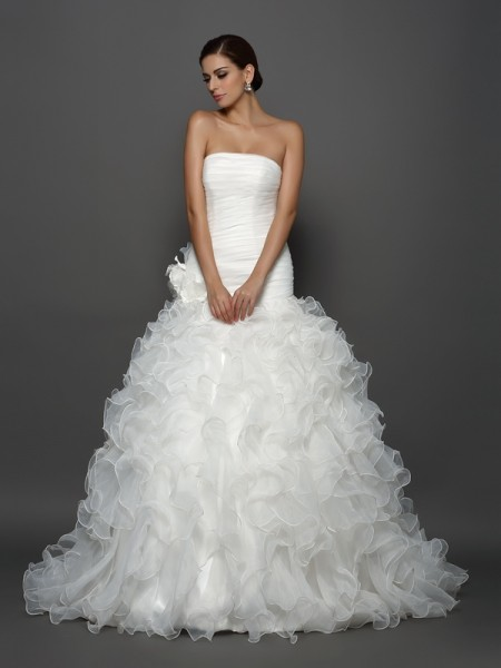 Ball Gown Strapless Sleeveless Organza Cathedral Train Wedding Dresses with Hand-Made Flower