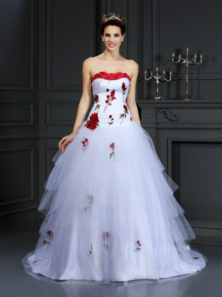 Ball Gown Strapless Sleeveless Court Train Satin Wedding Dresses with Hand-Made Flower