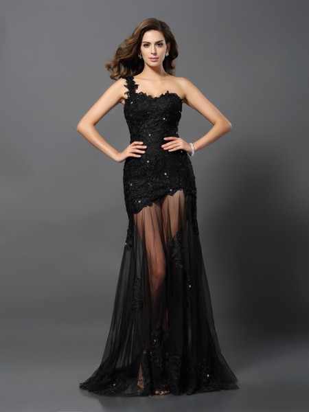 Sheath/Column Sleeveless One-Shoulder Lace Sweep/Brush Train Prom/Evening Dresses with Applique