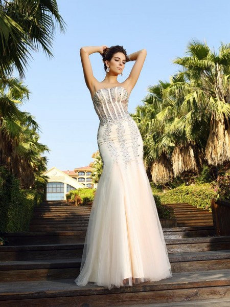 Trumpet/Mermaid Sleeveless Strapless Floor-Length Satin Dresses with Beading