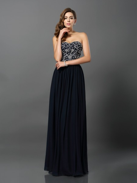 A-Line/Princess Sleeveless Chiffon Floor-Length Sweetheart Dresses with Beading