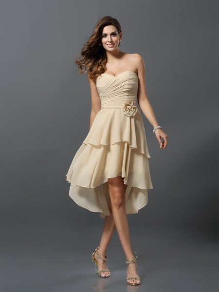 A-Line/Princess Sleeveless Sweetheart Chiffon Asymmetrical Bridesmaid Dresses with Hand-Made Flower