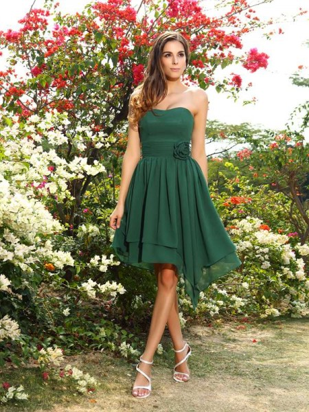 A-Line/Princess Sleeveless Sweetheart Chiffon Bridesmaid Dresses with Hand-Made Flower