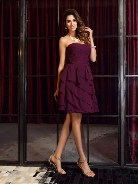 A-Line/Princess Sweetheart Sleeveless Chiffon Short Dresses with Ruched