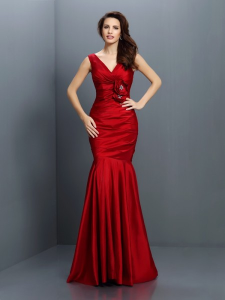 Trumpet/Mermaid V-neck Sleeveless Floor-Length Taffeta Bridesmaid Dresses with Hand-Made Flower