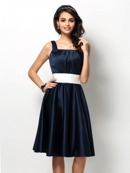 Sheath/Column Square Sleeveless Knee-Length Satin Bridesmaid Dresses with Sash/Ribbon/Belt