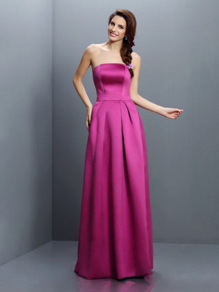 Sheath/Column Strapless Satin Bridesmaid Dresses