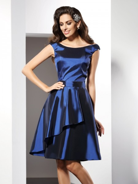 A-Line/Princess Scoop Sleeveless Knee-Length Taffeta Bridesmaid Dresses
