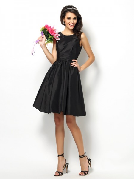 A-Line/Princess Bateau Sleeveless Short/Mini Taffeta Bridesmaid Dresses with Pleats