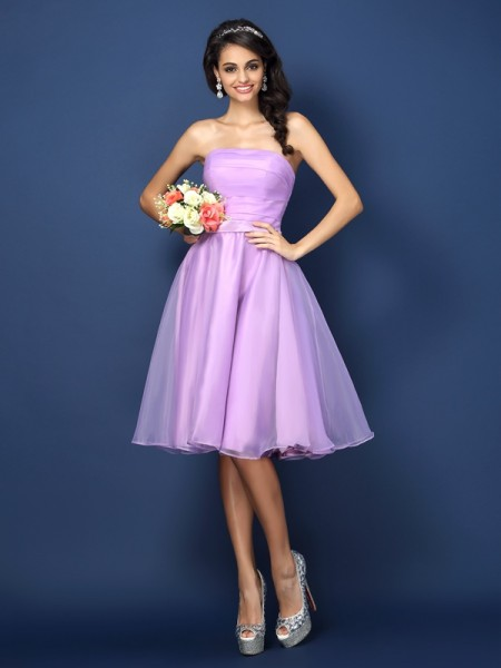 A-Line/Princess Strapless Sleeveless Knee-Length Satin Bridesmaid Dresses with Pleats