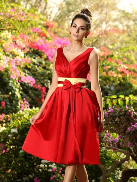 A-Line/Princess Sleeveless V-neck Knee-Length Satin Bridesmaid Dresses with Sash/Ribbon/Belt Pleats
