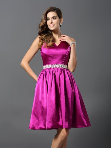 A-Line/Princess Straps Sleeveless Elastic Woven Satin Knee-Length Dresses with Beading