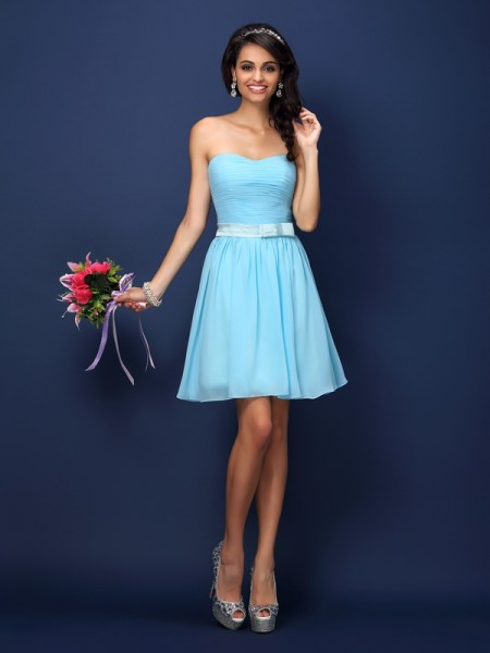 A-Line/Princess Strapless Sleeveless Short/Mini Chiffon Bridesmaid Dresses with Pleats