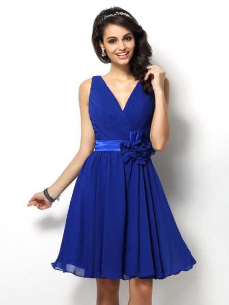A-Line/Princess V-neck Sleeveless Short/Mini Chiffon Bridesmaid Dresses with Pleats